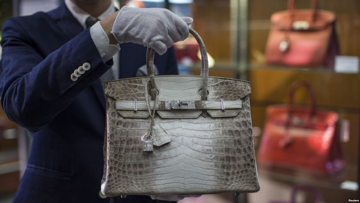Growing demand for Hermès' iconic Birkin due to an increase in pricing | CPP-LUXURY