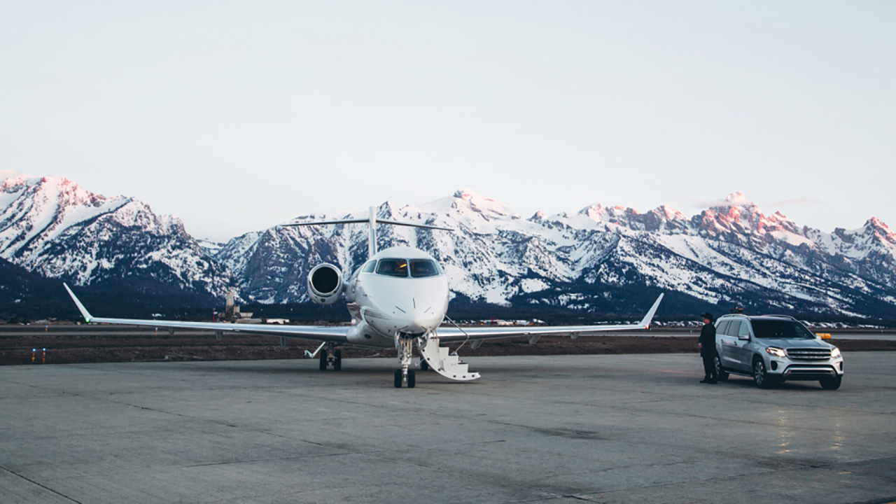 Four Seasons Hotels partnership with NetJets for Ski Adventures