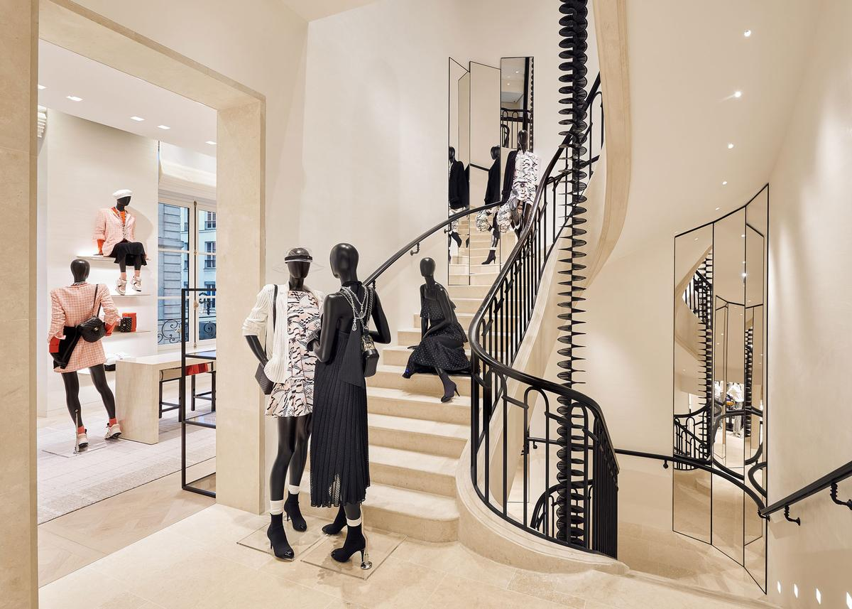 CHANEL new mega store in Paris at Rue Cambon