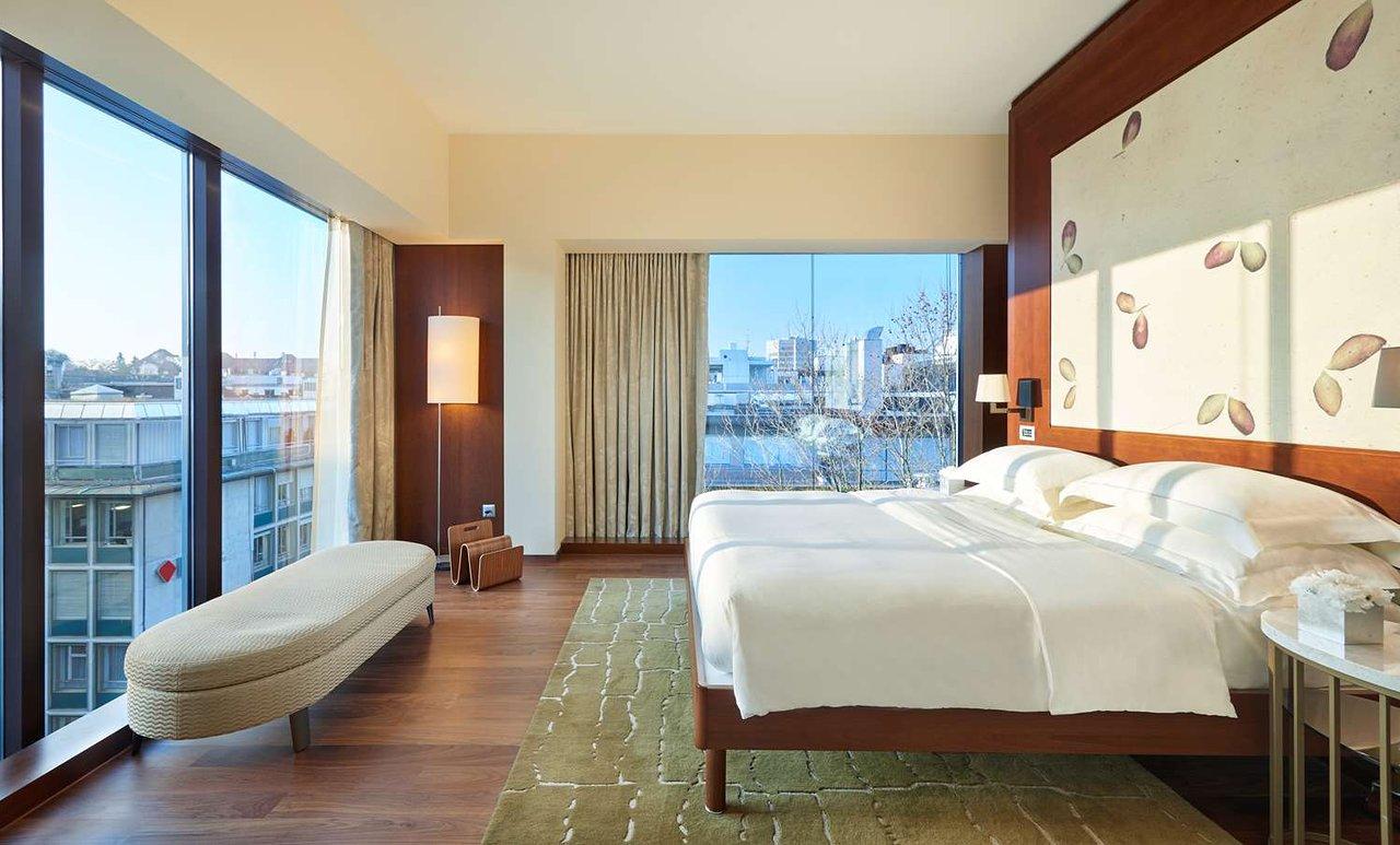 Park Hyatt Zurich suite