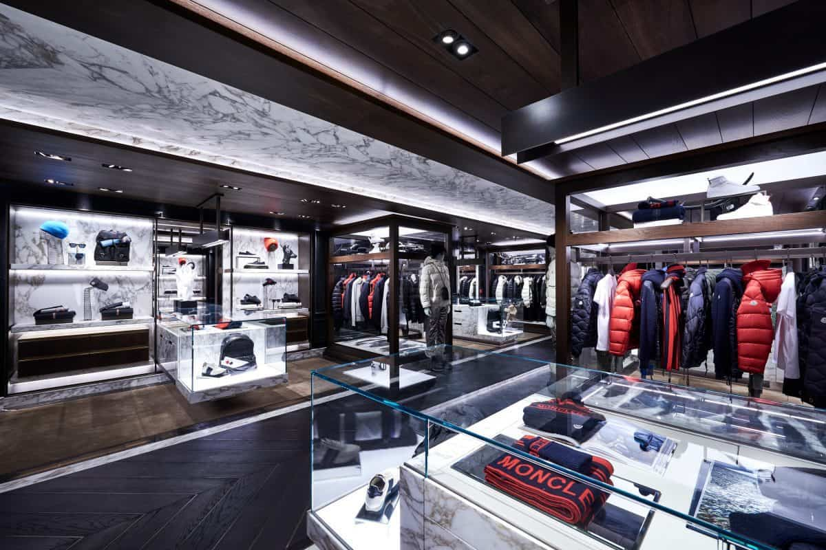 "CPP-LUXURY.COM on LinkedIn: ""Moncler CEO warns of negative impact from Hong Kong protests https://lnkd.in/e_brJk5 #moncler #luxury #fashion #luxuryfashion #retail #HongKongProtests #impact #negative #business Moncler"""
