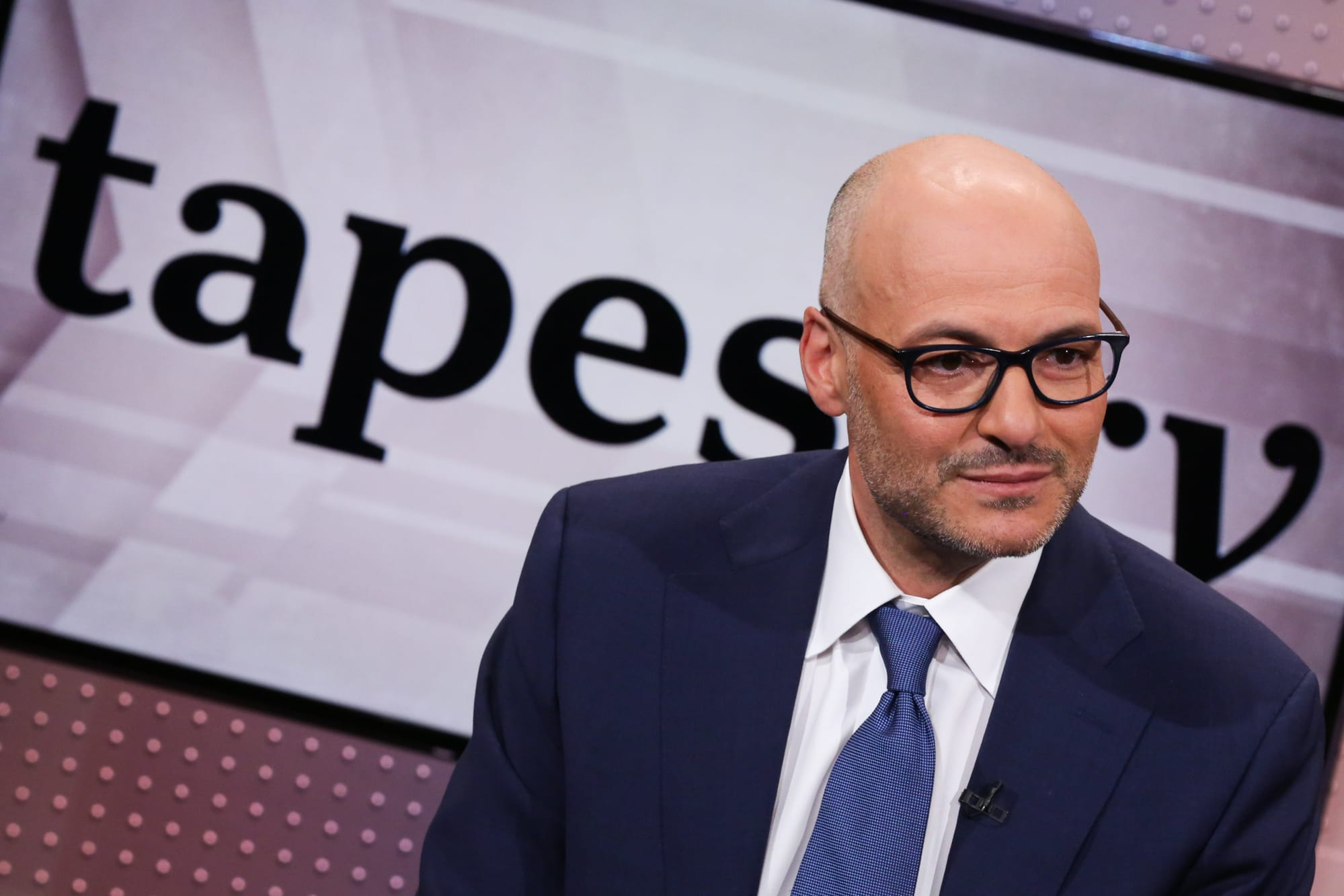 Tapestry CEO Victor Luis steps down