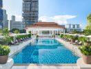 Raffles Singapore – swimming pool