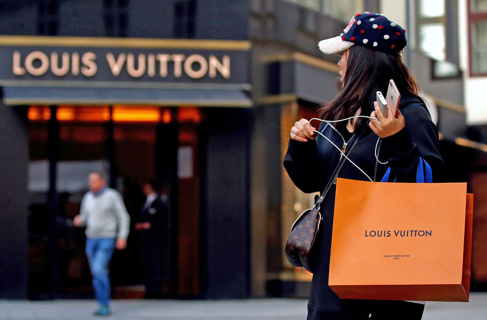 Louis Vuitton shoppers