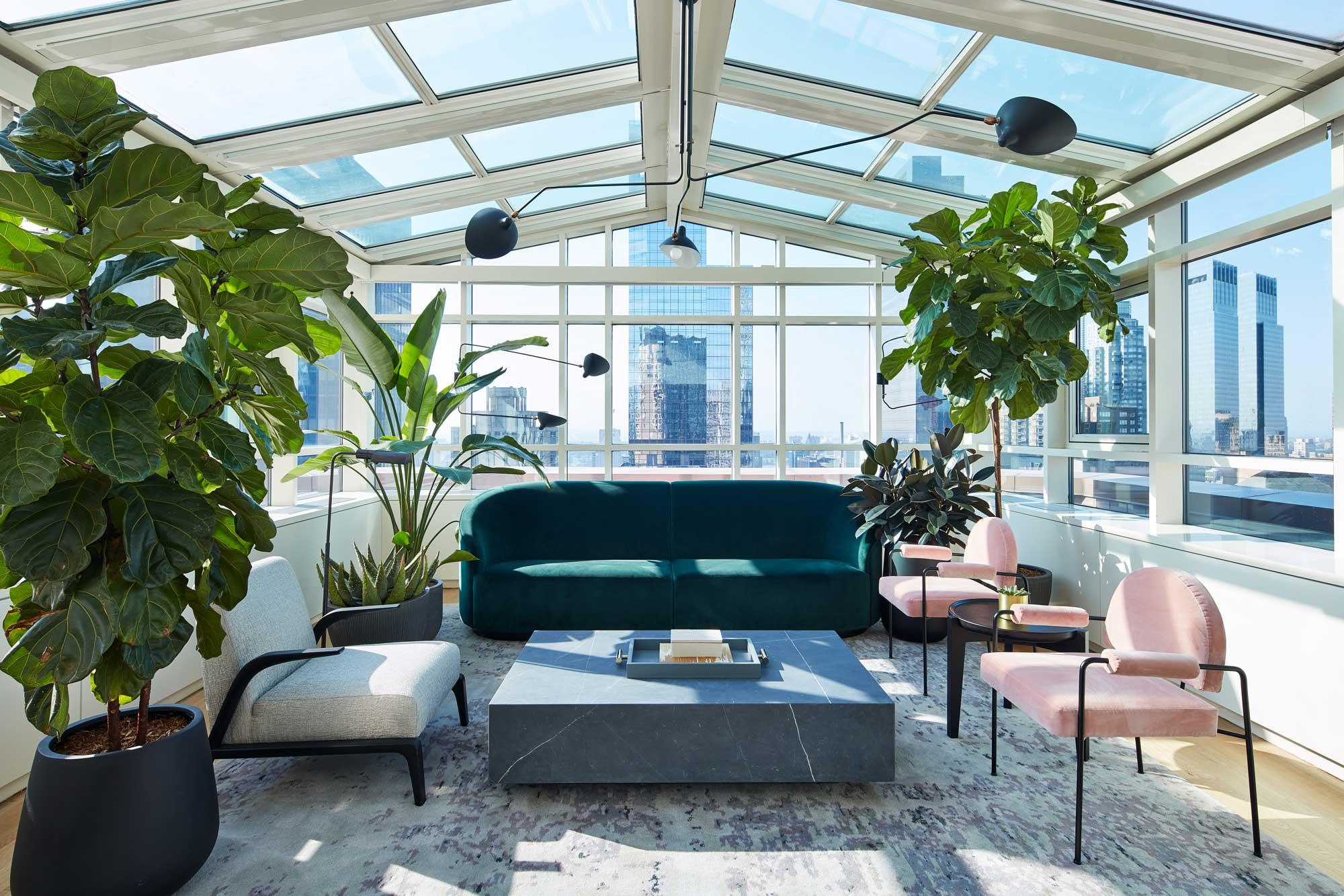 Conrad Midtown New York - Atrium all-glass suite