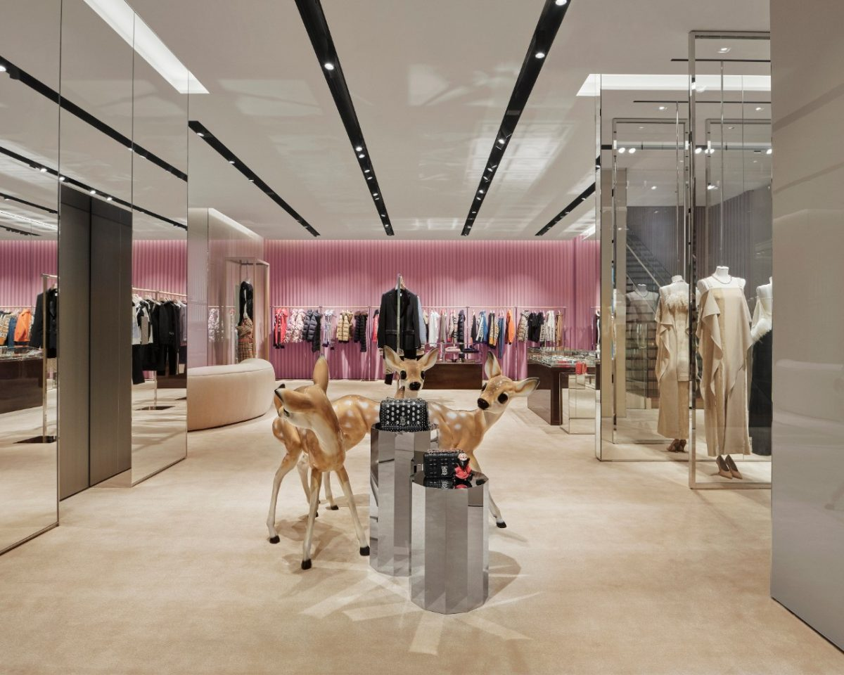 Burberry new store concept Tokyo