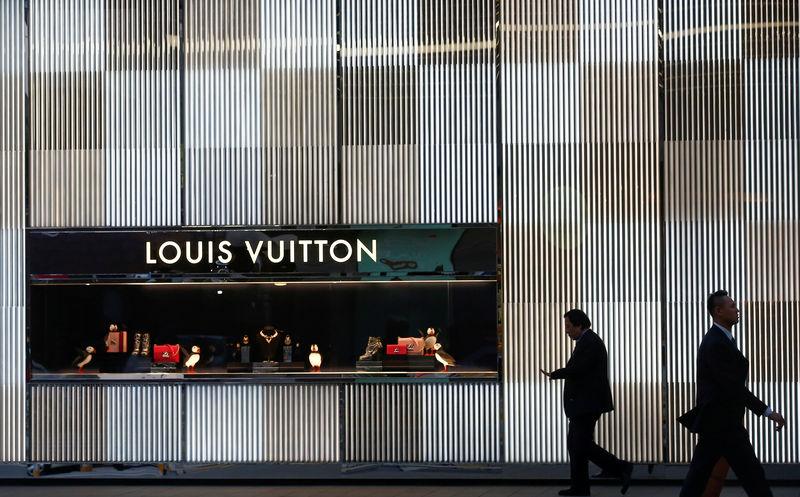 Luxury shoppers
