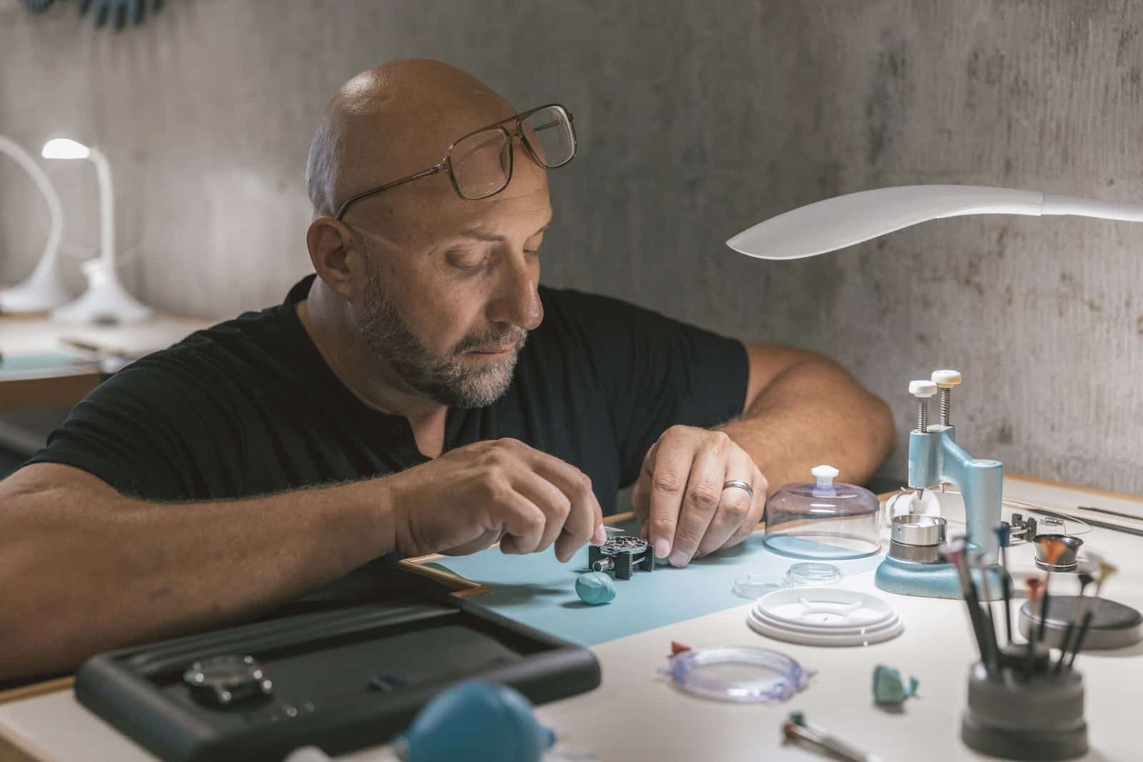 Initium - make your own Swiss watch