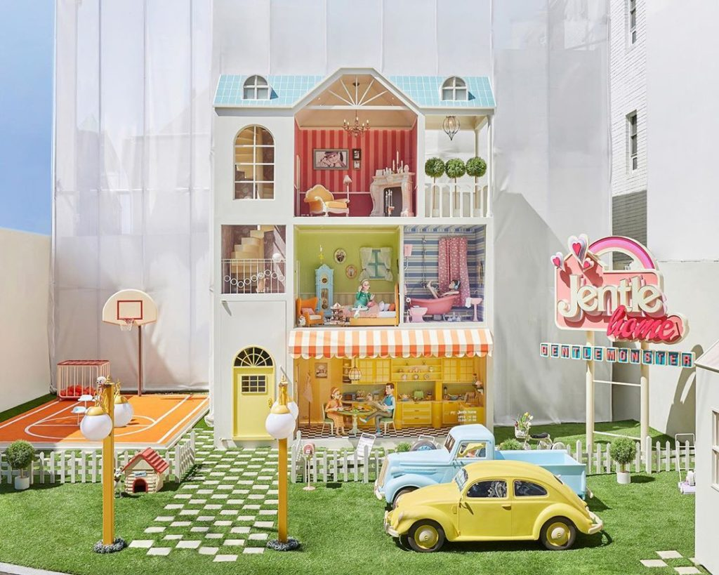 Gentle Monster and Jennie crreeate pop-up fantasy doll-house 'Jentle Home)