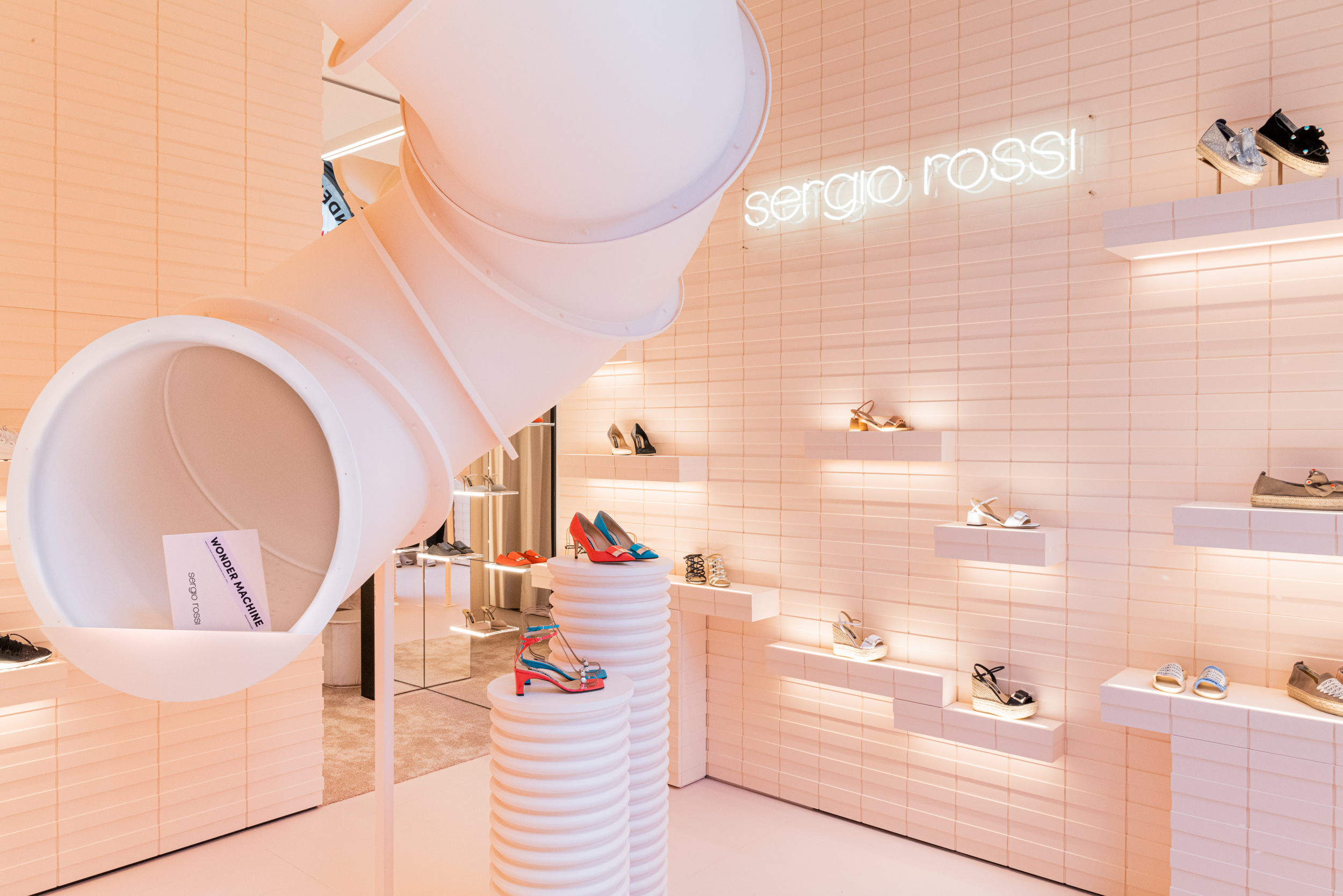 Sergio Rossi new pop-up store in Milan - innovative concept