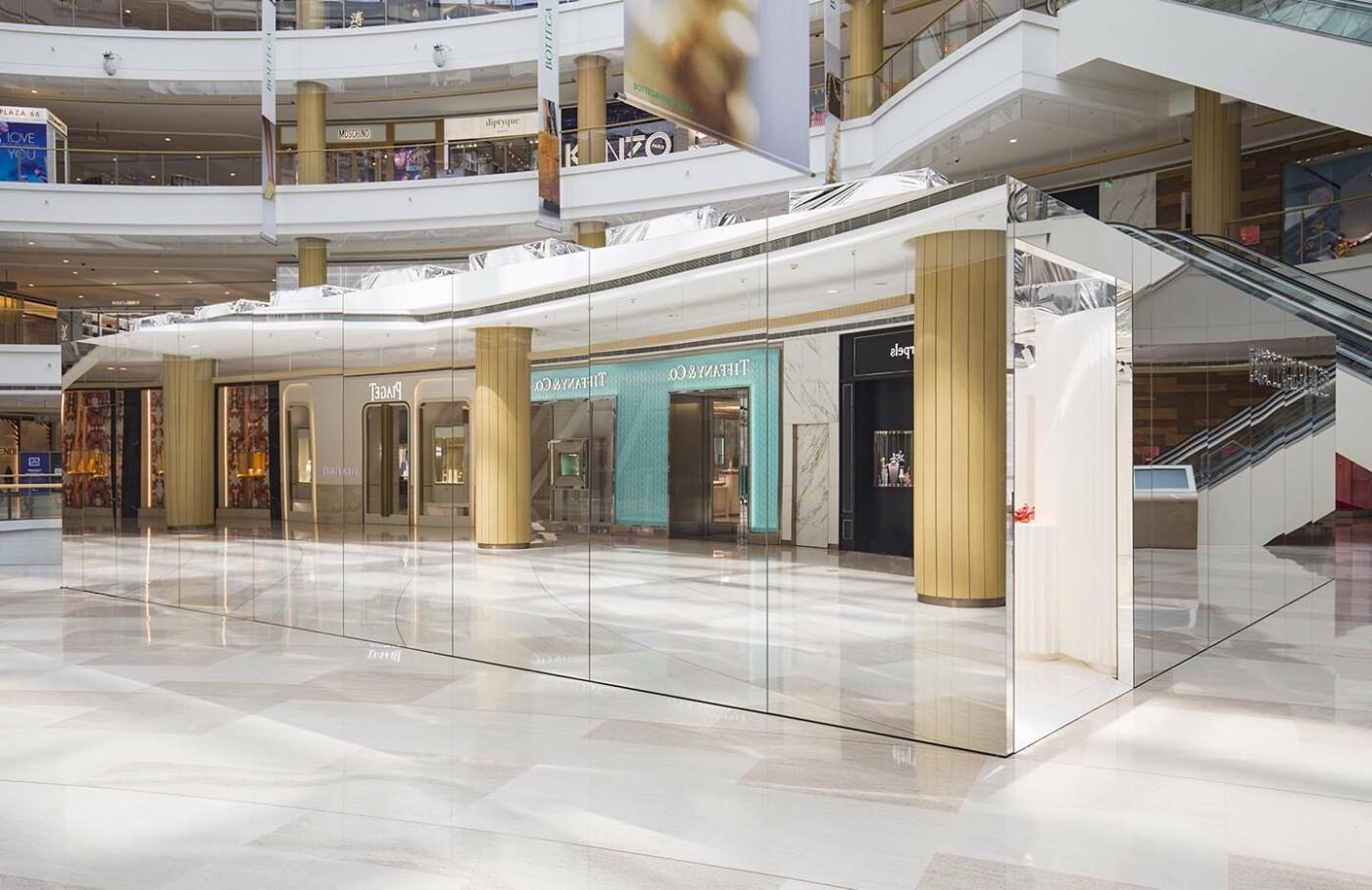 Bottega Veneta launches the invisible pop-up  in Shanghai