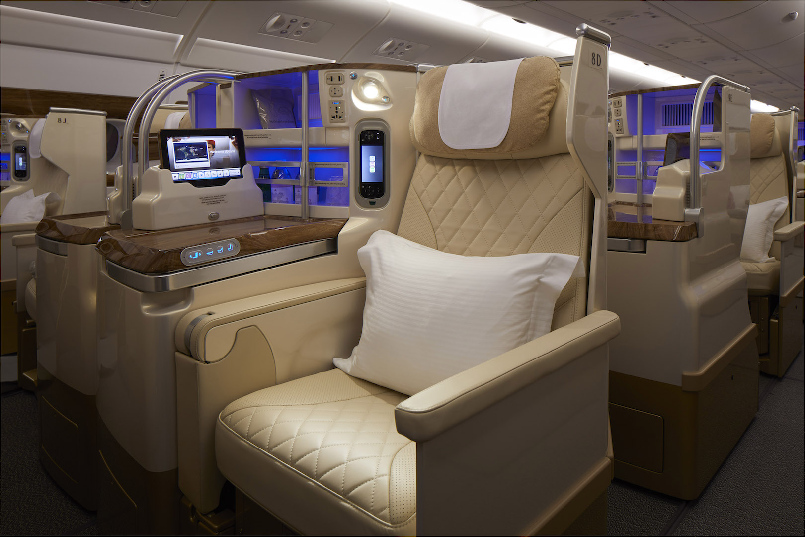 EMIRATES Airline refreshed A380 Business Class (2020)