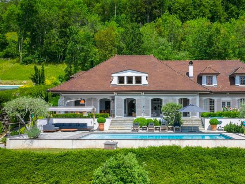 Luxury Real Estate Turns to Virtual Tours
