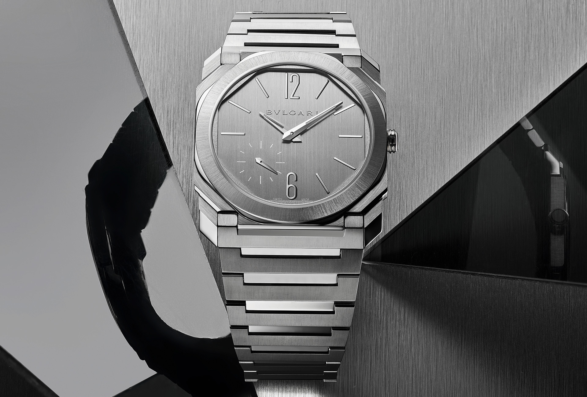 Bulgari new The Octo Finissimo Perpetual Calendar, in platinum with platinum bracelet (Watches & Wonders 2021)