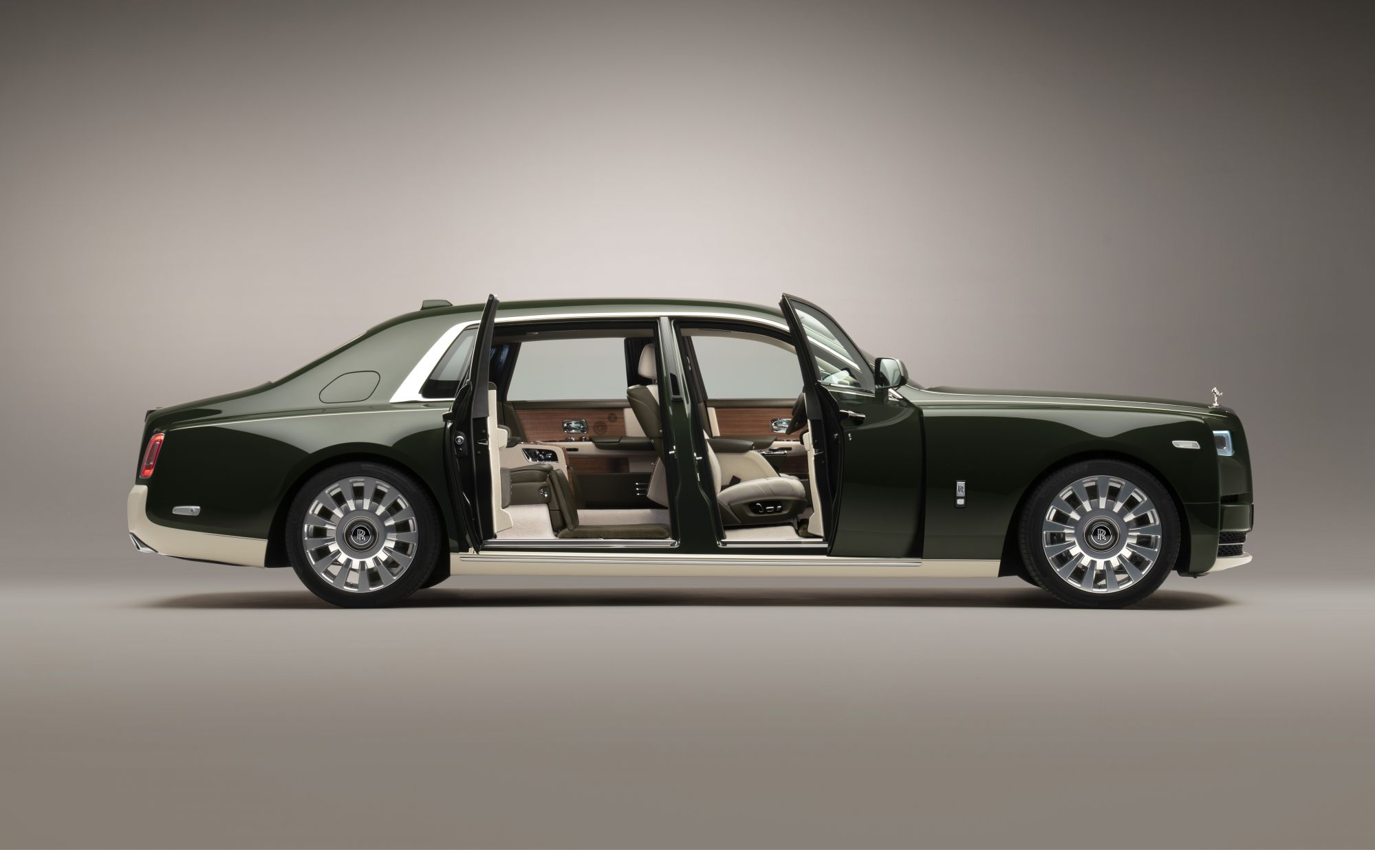 Hermès x Rolls-Royce Motor Cars collaborate for bespoke Phantom Oribe