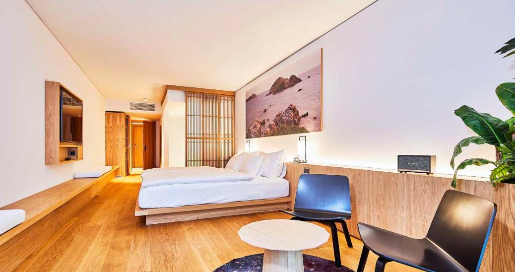 Art House Hotel Basel, Basel - Large Junior Suite