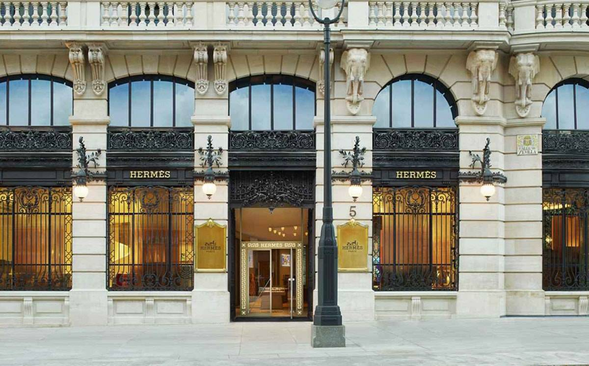 Hermes store in Madrid at Galeria Canalejas