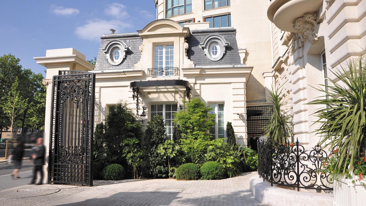 Shangri-La Paris - entrance