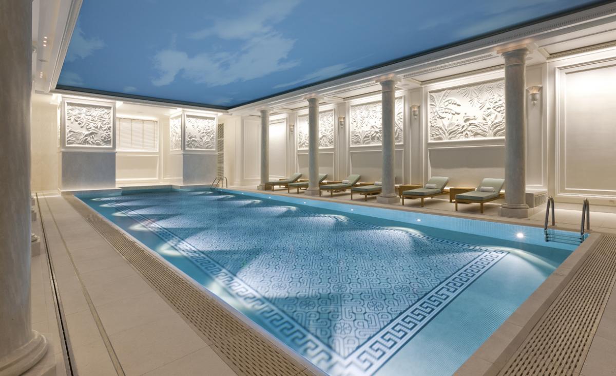 Shangri-La Paris - swimming pool