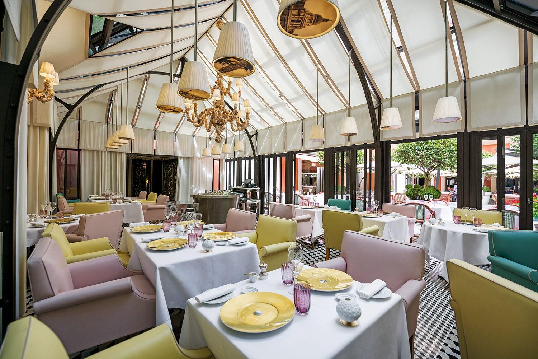 Il Carpaccio restaurant by Famiglia Cerea - Da Vittorio at Le Royal Monceau - Raffles Paris.